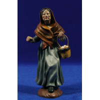 Pastora con cesto huevos 16 cm barro pintado Figuralia
