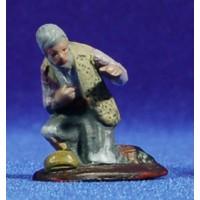 Pastor anciano adorando 5 cm barro pintado Figuralia