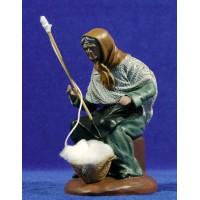 Hilandera 16 cm barro pintado Figuralia