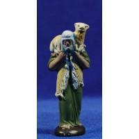 Pastor anciano con cordero 7 cm barro pintado Figuralia