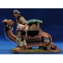 Camello con hombre descargando 7 cm barro pintado Daniel
