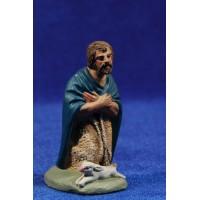 Pastor adorando con conejo 7 cm barro pintado Daniel