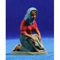 Pastora lavandera catalana 12 cm barro pintado Delgado