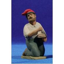 Pastor catalán adorando con zambomba 12 cm barro pintado Delgado