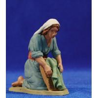 Pastora lavandera 12 cm barro pintado Delgado
