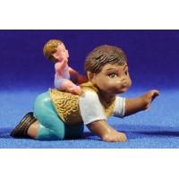 Pastor con niño a la espalda 8 cm plástico Fabregat
