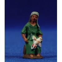 Pastor sentado con gallina 3 cm barro pintado Fabregat