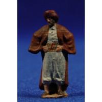 Pastor con manos en la cintura 3 cm pasta cerámica Hermanos Cerrada