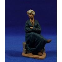 Pastor joven sentado en un muro 14 cm pasta cerámica Hermanos Cerrada