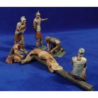 Clavamiento a la cruz 13 cm resina estilo Muns