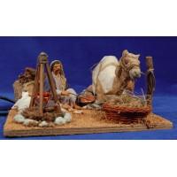 Camellero y camello movimiento 12 cm barro pintado