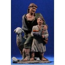 Pastor con niño adorando 20 cm resina Montserrat Ribes