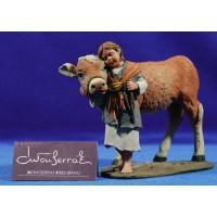 Niña con ternero 17 cm resina Montserrat Ribes