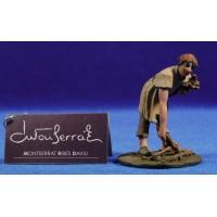 Pastor recogiendo leña 9 cm resina Montserrat Ribes
