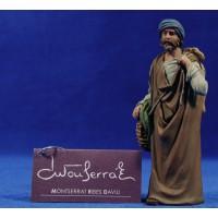 Pastor con saco y cordero 12 cm resina Montserrat Ribes