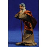 Pastor apoyado con bastón 9 cm resina Montserrat Ribes