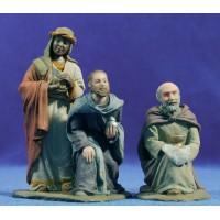Reyes adorando 9 cm resina Montserrat Ribes