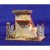 Gallinero con  gallina y pollitos 8 cm corcho y plastico