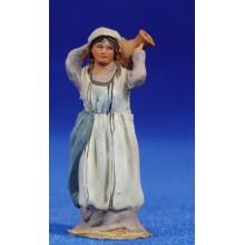 Pastora con jarra 4 cm barro pintado De Francesco