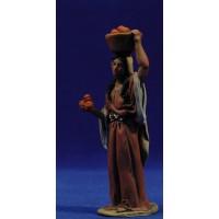 Pastora con bandeja a la cabeza 10 cm barro pintado De Francesco