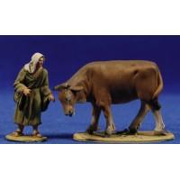 Pastora con vaca 5 cm barro pintado De Francesco