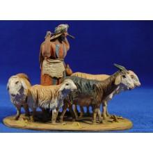 Pastor con corderos 10 cm barro pintado De Francesco