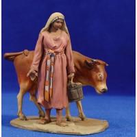 Pastora con vaca 10 cm barro pintado De Francesco