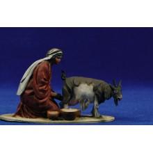 Pastora ordeñando una cabra 10 cm barro pintado De Francesco