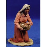 Pastora catalana adorando con cesto huevos 10 cm barro pintado De Francesco