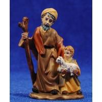 Pastor viejo con niño y cordero pequeño en brazos 7 cm resina