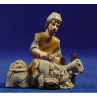 Pastor hebreo esquilando cordero 9 cm resina