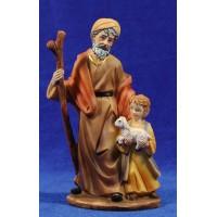 Pastor viejo con niño y cordero pequeño en brazos 15 cm resina