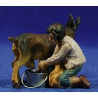 Niño ordeñando una cabra 9 cm resina