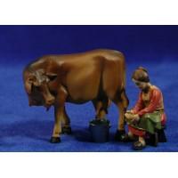 Pastora ordeñando una vaca 9 cm resina