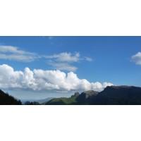 Fondo cielo nubes y montañas100x65 cm papel Artdemirs
